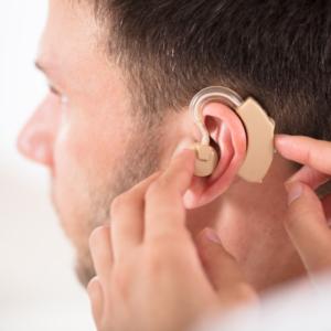 Schwerhörigkeit-Hörgerät